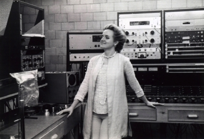 Alice Shields at the Columbia-Princeton Electronic Music Center in 1973