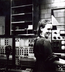 Alice Shields at the Columbia-Princeton Electronic Music Center in 1967